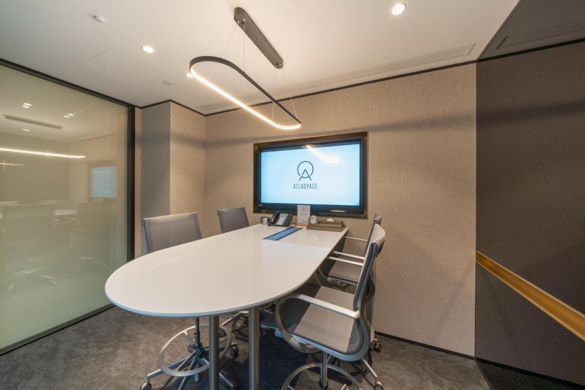 多功能高桌會議室